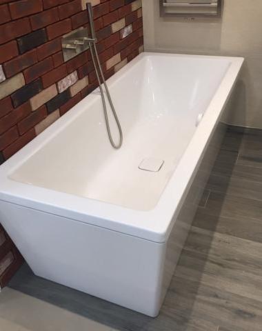 Kaldewei 1800 x 800 conoduo bath with waste filler now for Ex display bathrooms