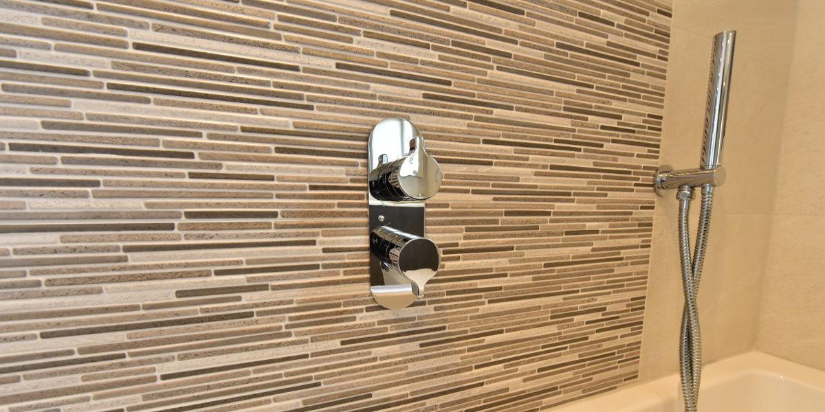 ekco bathroom dingwall